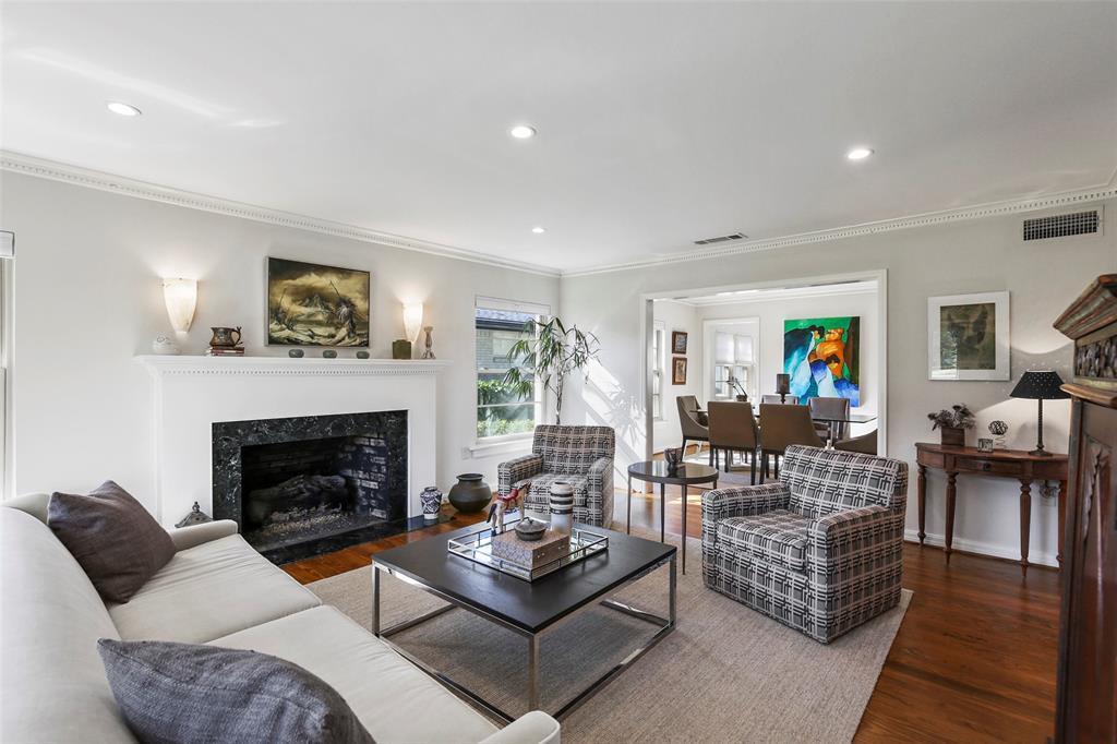 Active Option Contract | 827 W Greenbriar  Lane Dallas, TX 75208 3