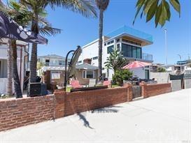 Closed | 47 6th (aka 42 7th Court) Street Hermosa Beach, CA 90254 1
