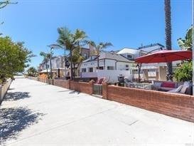 Closed | 47 6th (aka 42 7th Court) Street Hermosa Beach, CA 90254 3