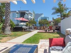 Closed | 47 6th (aka 42 7th Court) Street Hermosa Beach, CA 90254 6