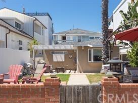 Closed | 47 6th (aka 42 7th Court) Street Hermosa Beach, CA 90254 7