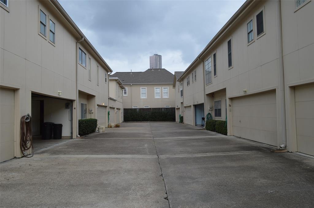 Off Market   2323 Augusta Drive #4 Houston, Texas 77057 33