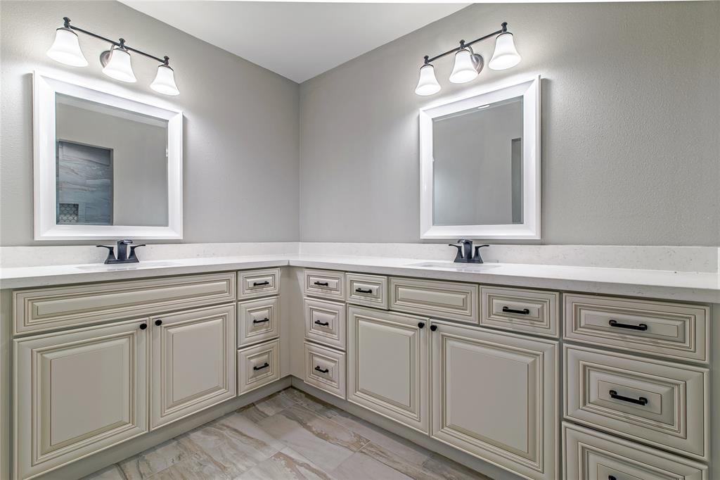Renovated Home in Meyerland  | 5222 Braesheather Drive Houston, Texas 77096 5