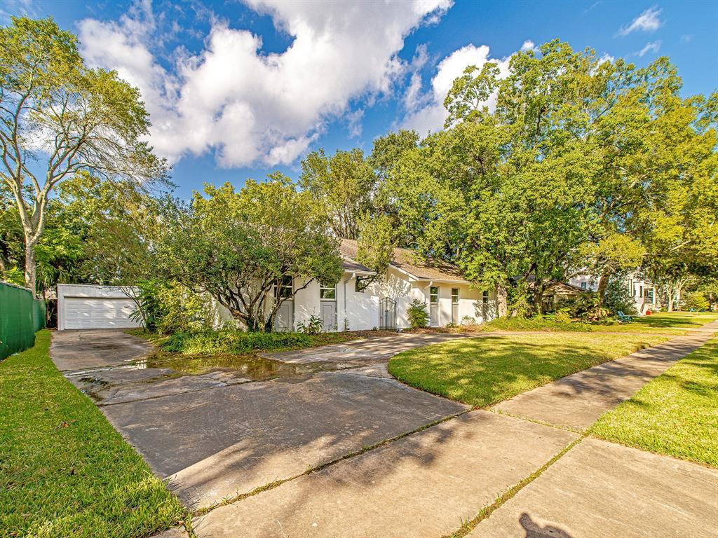Renovated Home in Meyerland  | 5222 Braesheather Drive Houston, Texas 77096 7