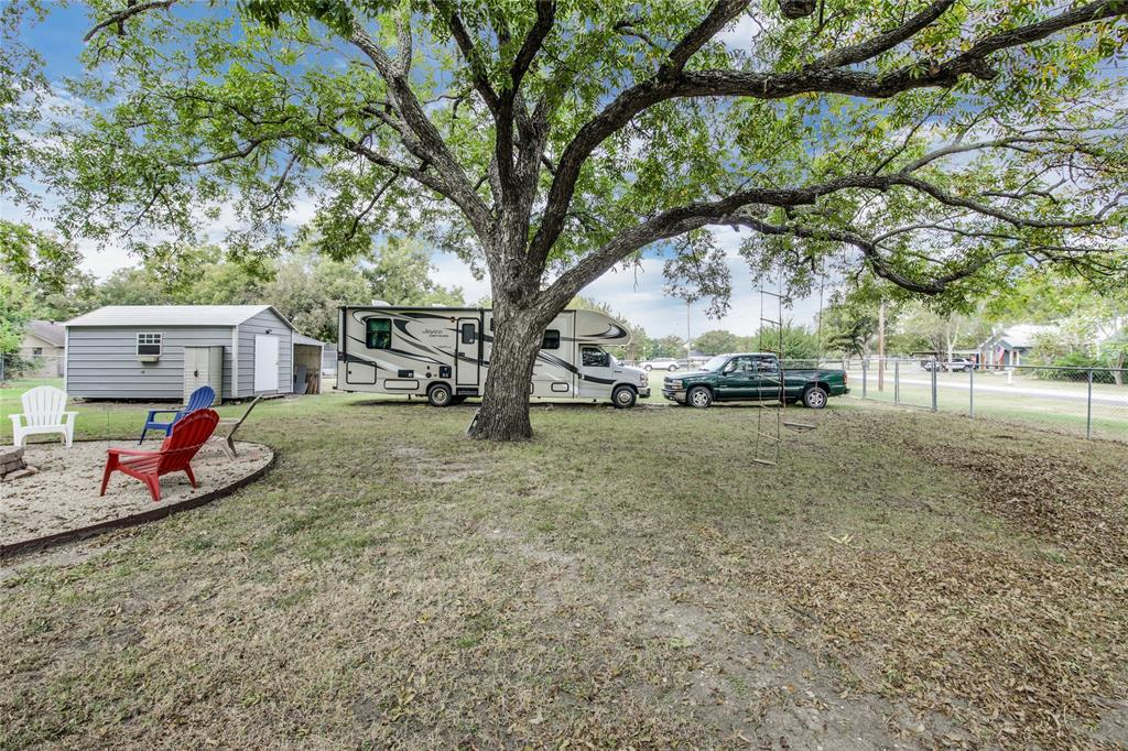 Sold Property | 215 Harmonson Avenue Justin, Texas 76247 3