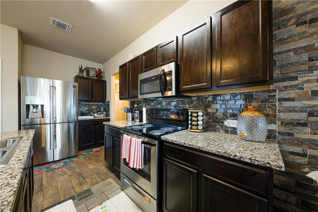 Pending | 14313 Almodine  Road Manor, TX 78653 5