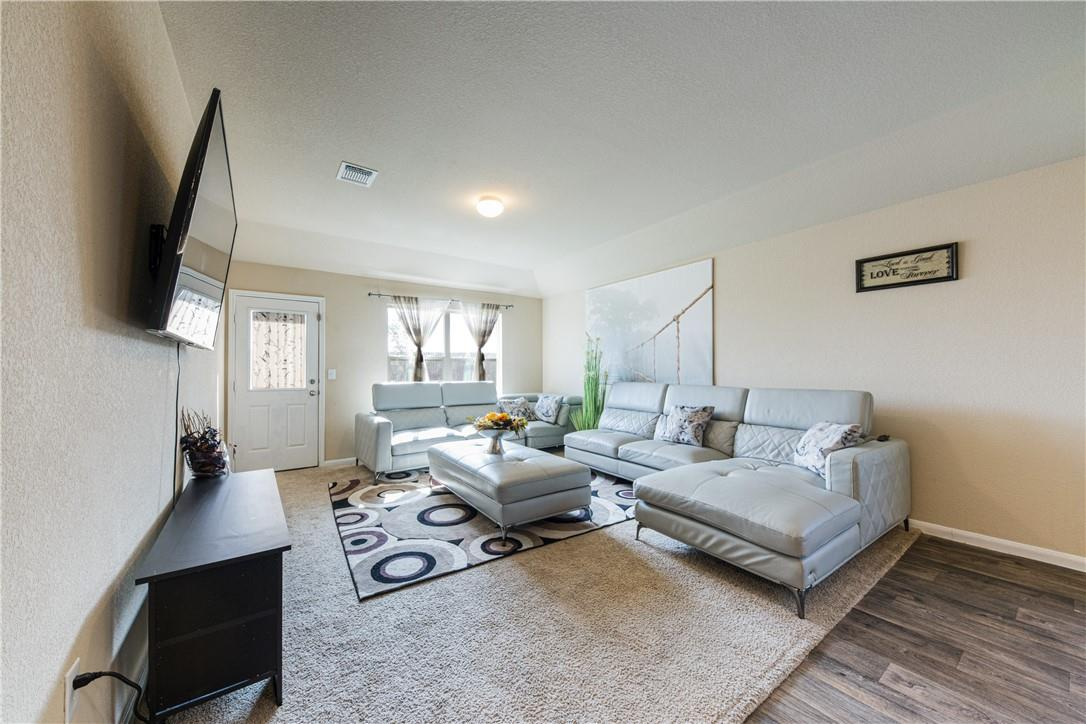 Pending | 14313 Almodine  Road Manor, TX 78653 7