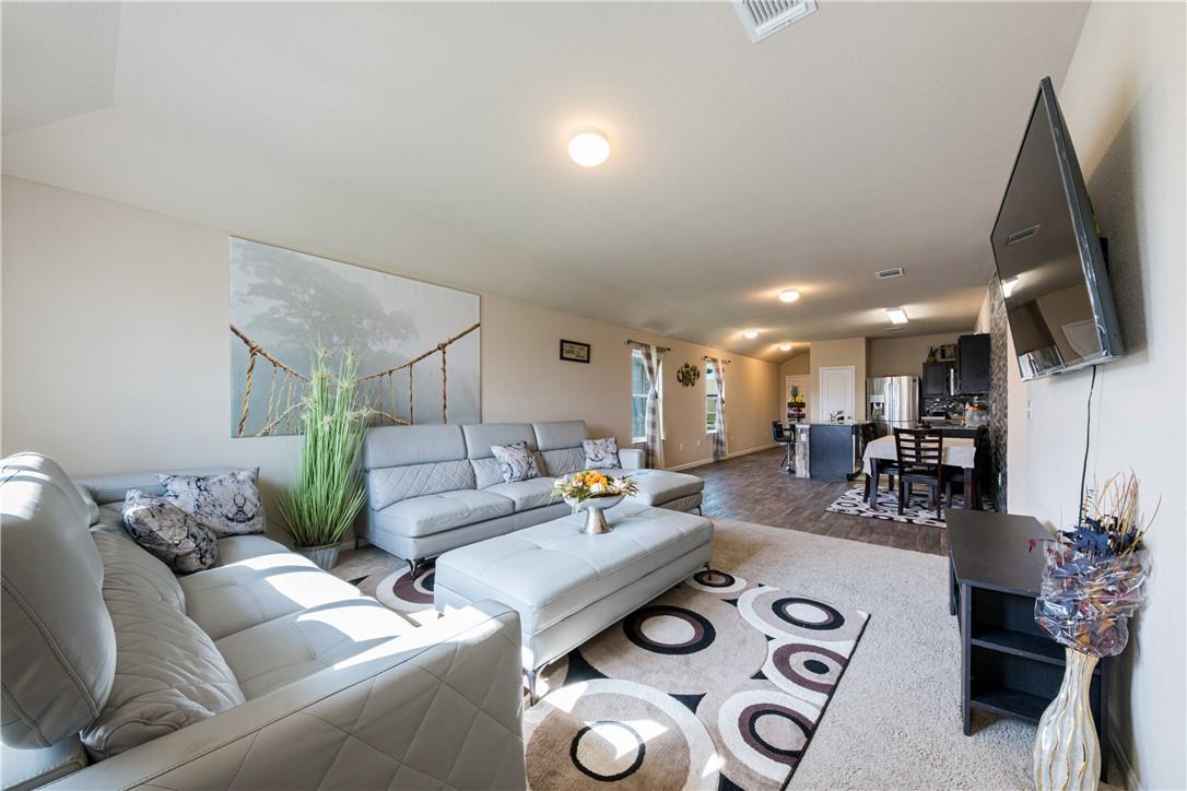 Pending | 14313 Almodine  Road Manor, TX 78653 9