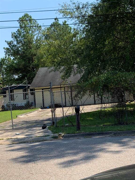 Active   105 Delores Street Conroe, Texas 77301 13