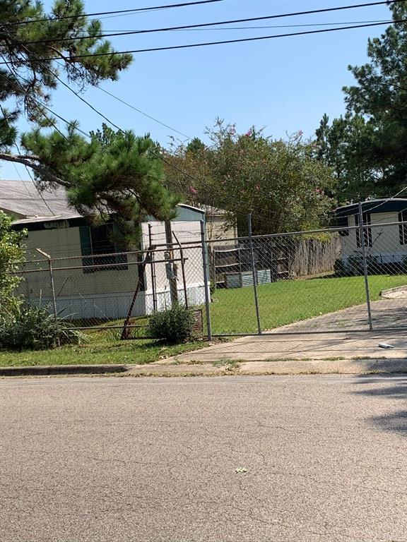 Active   105 Delores Street Conroe, Texas 77301 14
