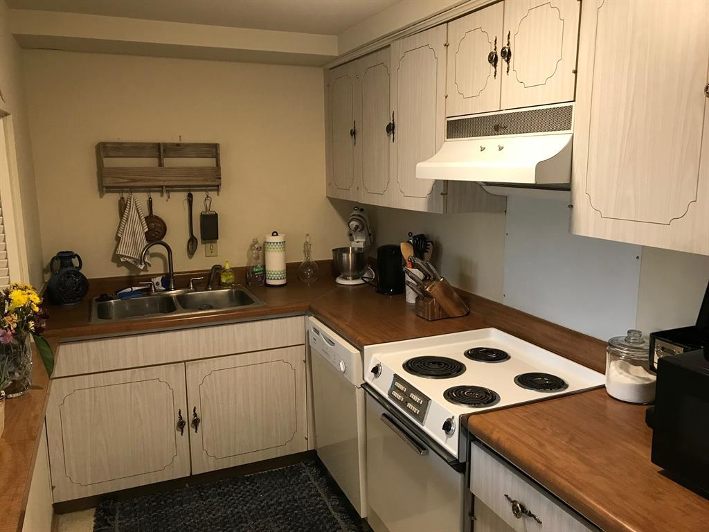 Sold Property | 6211 W Northwest  Highway #G416 Dallas, TX 75225 3