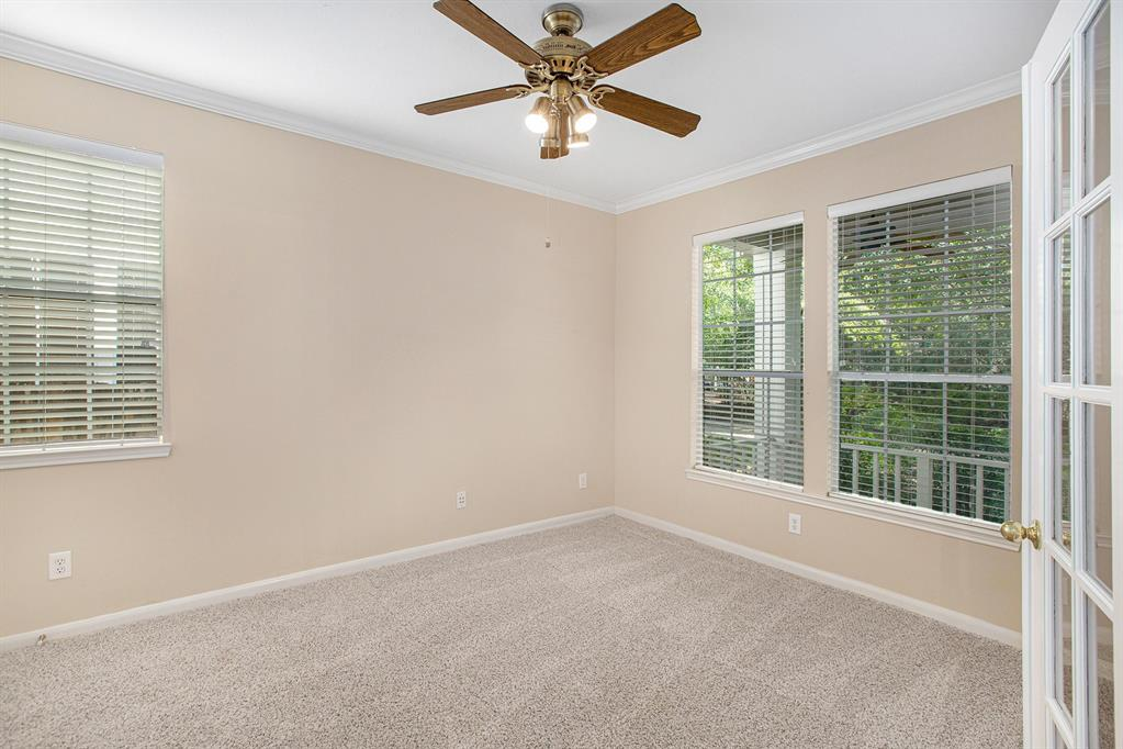 Active | 7 W Cottage Green  Street The Woodlands, TX 77382 8