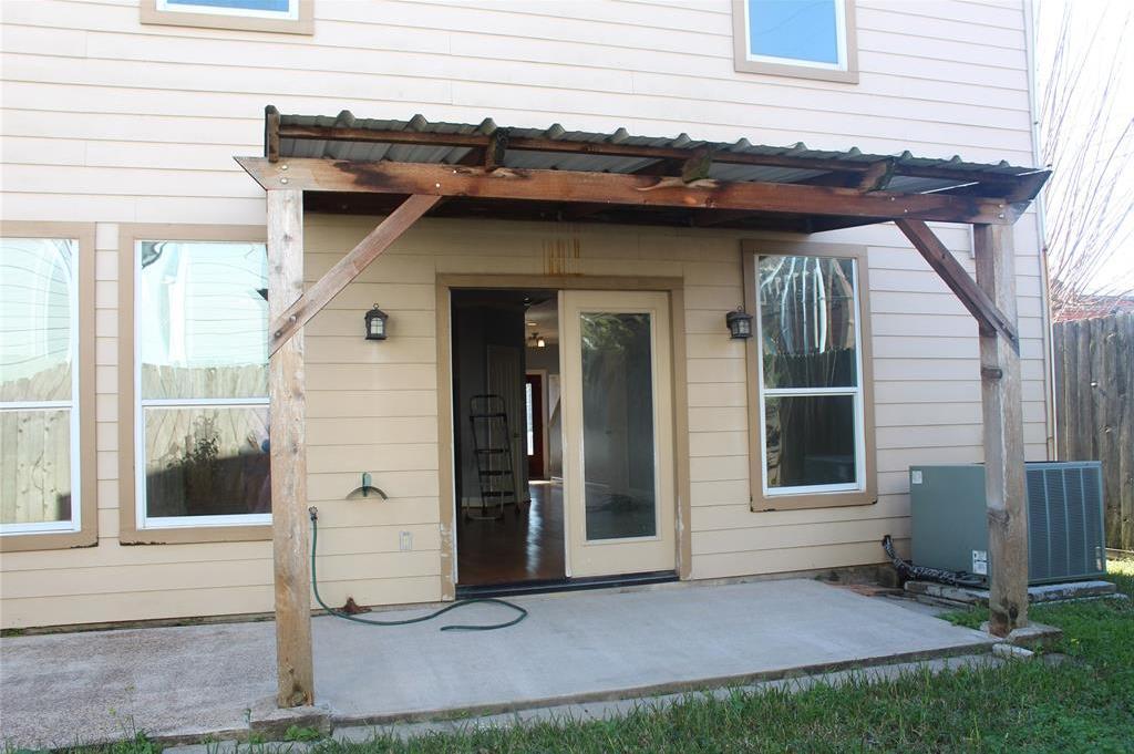 Off Market   9714 Kapri Lane Houston, Texas 77025 13