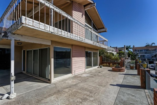 Active | 16321 Niantic  Circle Huntington Beach, CA 92649 11