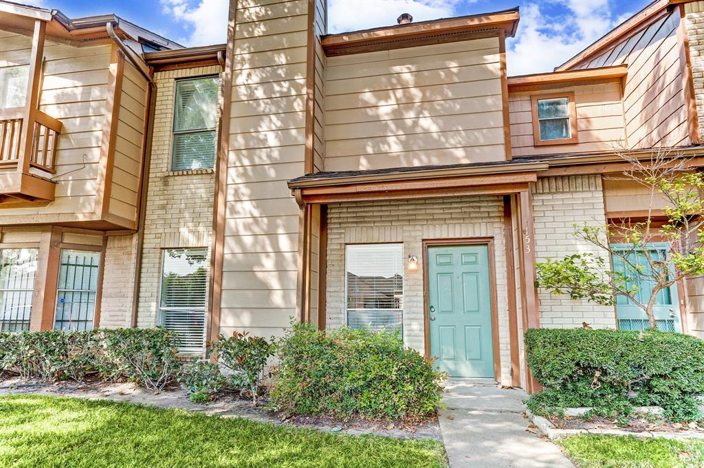 Pending | 12500 Brookglade Circle #153 Houston, Texas 77099 2