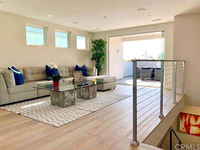 Active | 504 16th  Street Huntington Beach, CA 92648 10