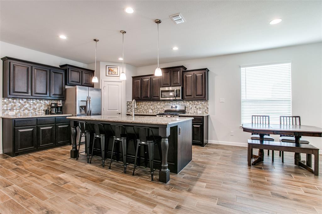Sold Property | 1212 Alnwick  Lane Saginaw, TX 76131 10