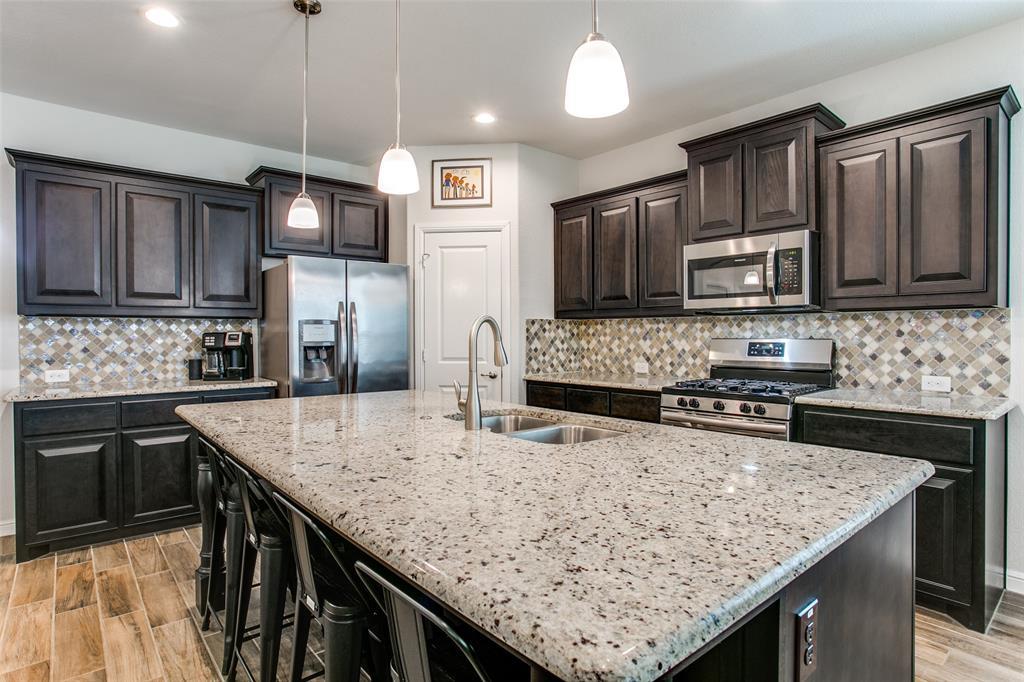 Sold Property | 1212 Alnwick  Lane Saginaw, TX 76131 12