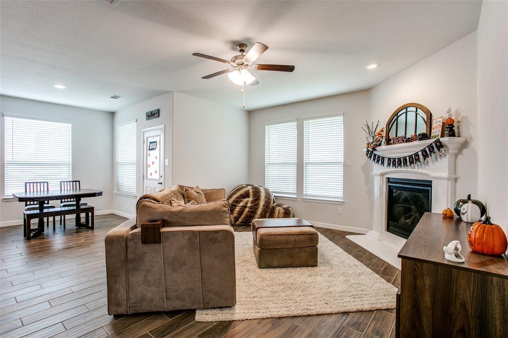 Sold Property | 1212 Alnwick  Lane Saginaw, TX 76131 6