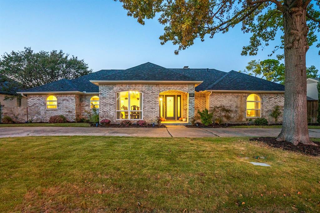 Active | 9055 Church  Road Dallas, TX 75231 0