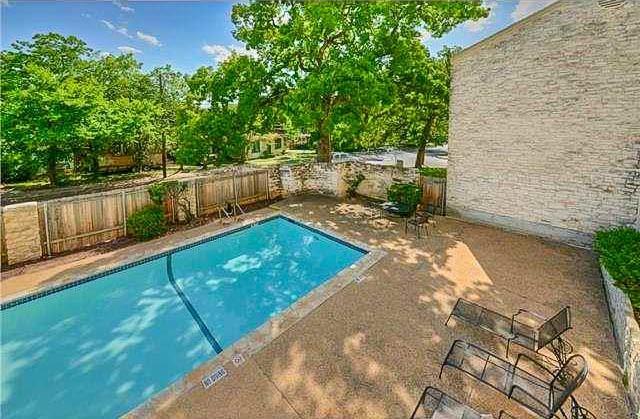 Active | 808 W 29th  Street Austin, TX 78705 28