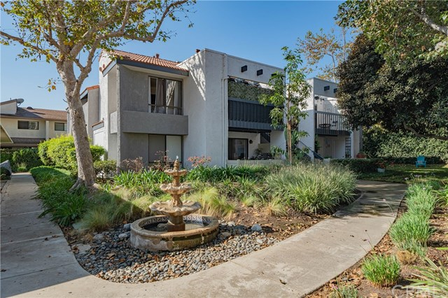 Active Under Contract | 215 Wichita  Avenue #103 Huntington Beach, CA 92648 0