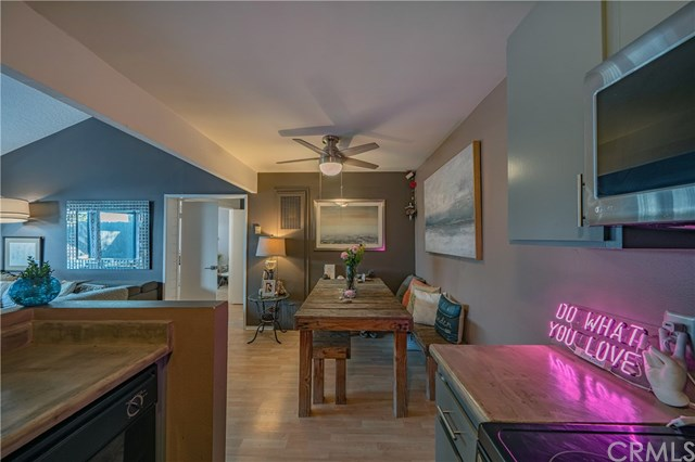 Active Under Contract | 215 Wichita  Avenue #103 Huntington Beach, CA 92648 14