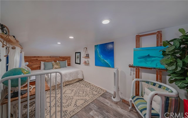 Active Under Contract | 215 Wichita  Avenue #103 Huntington Beach, CA 92648 18