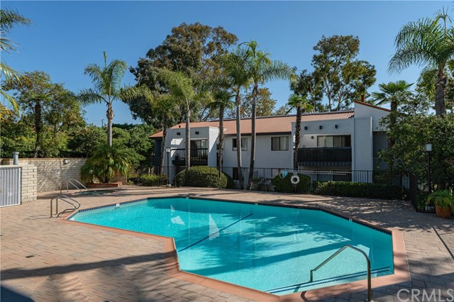 Active Under Contract | 215 Wichita  Avenue #103 Huntington Beach, CA 92648 32