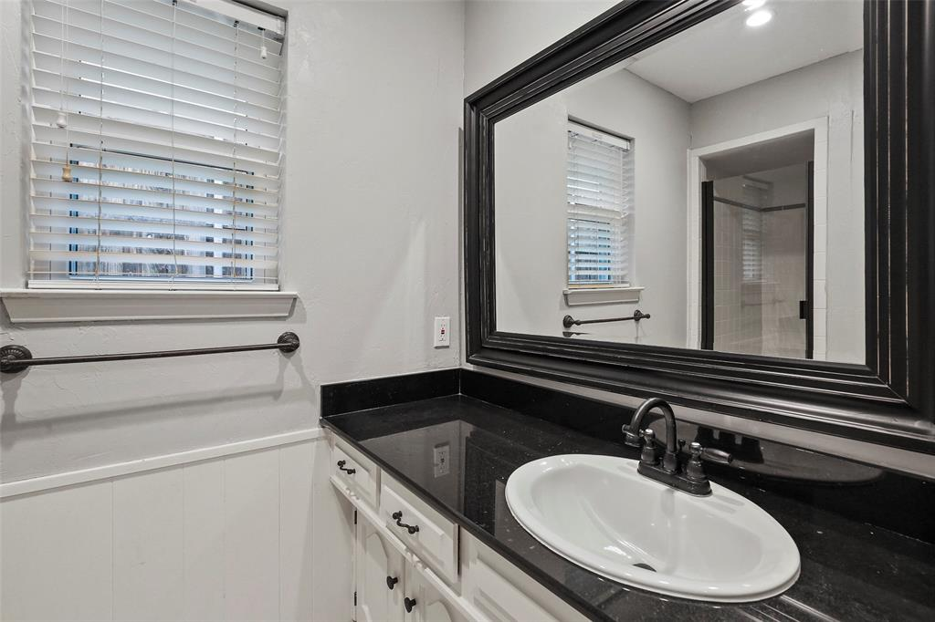 Dallas Real Estate | 7211 La Sobrina Drive Dallas, Texas 75248 25