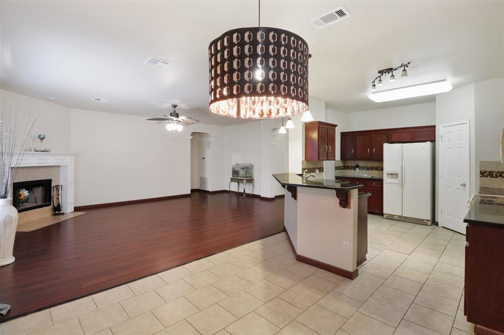 Pending | 241 Trails End  Drive Killeen, TX 76543 12
