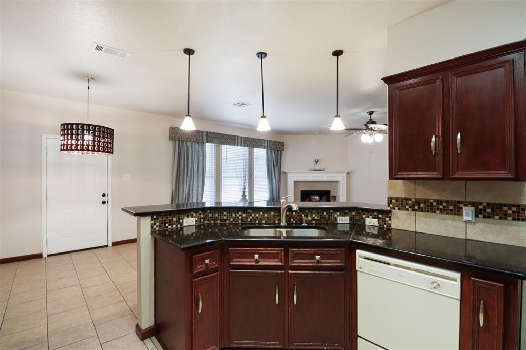 Pending | 241 Trails End  Drive Killeen, TX 76543 14