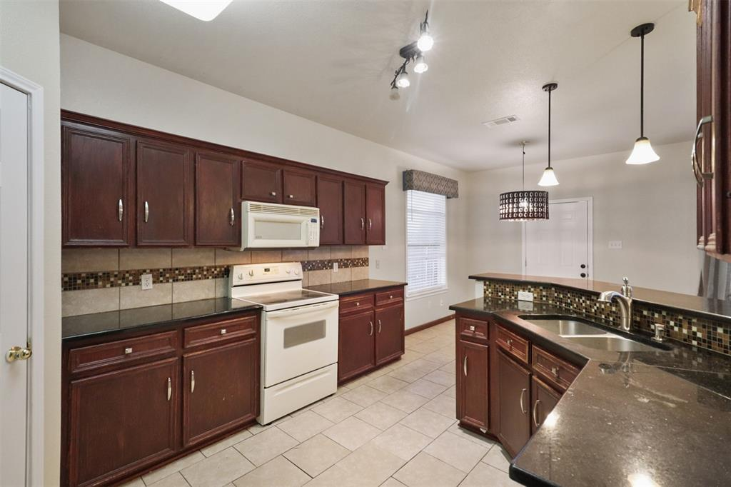 Pending | 241 Trails End  Drive Killeen, TX 76543 15