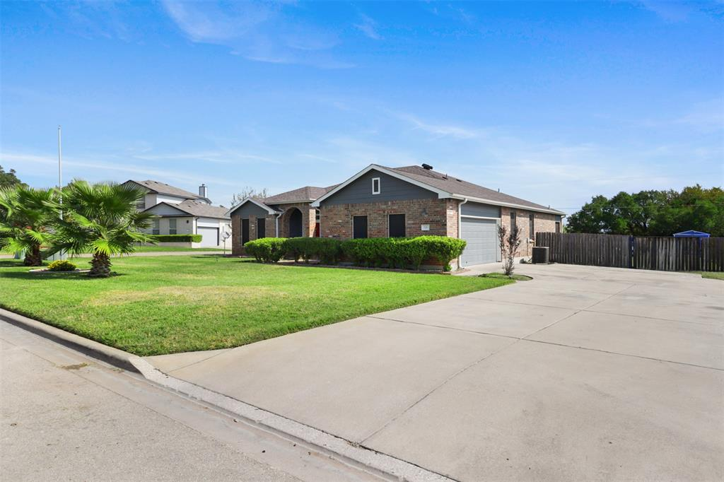 Pending | 241 Trails End  Drive Killeen, TX 76543 3