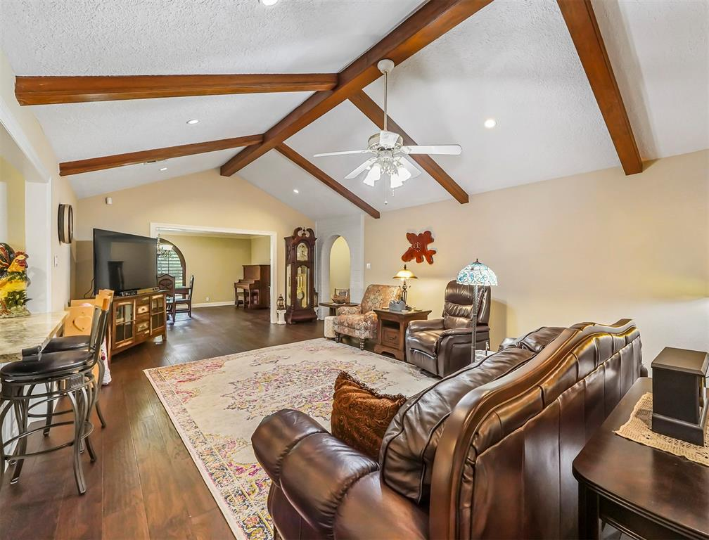 Pending Continue to Show | 13119 Pine Drive Cypress, Texas 77429 12
