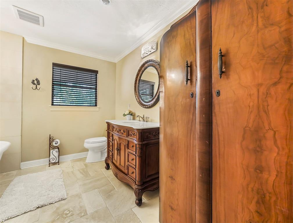 Pending Continue to Show | 13119 Pine  Drive Cypress, TX 77429 19