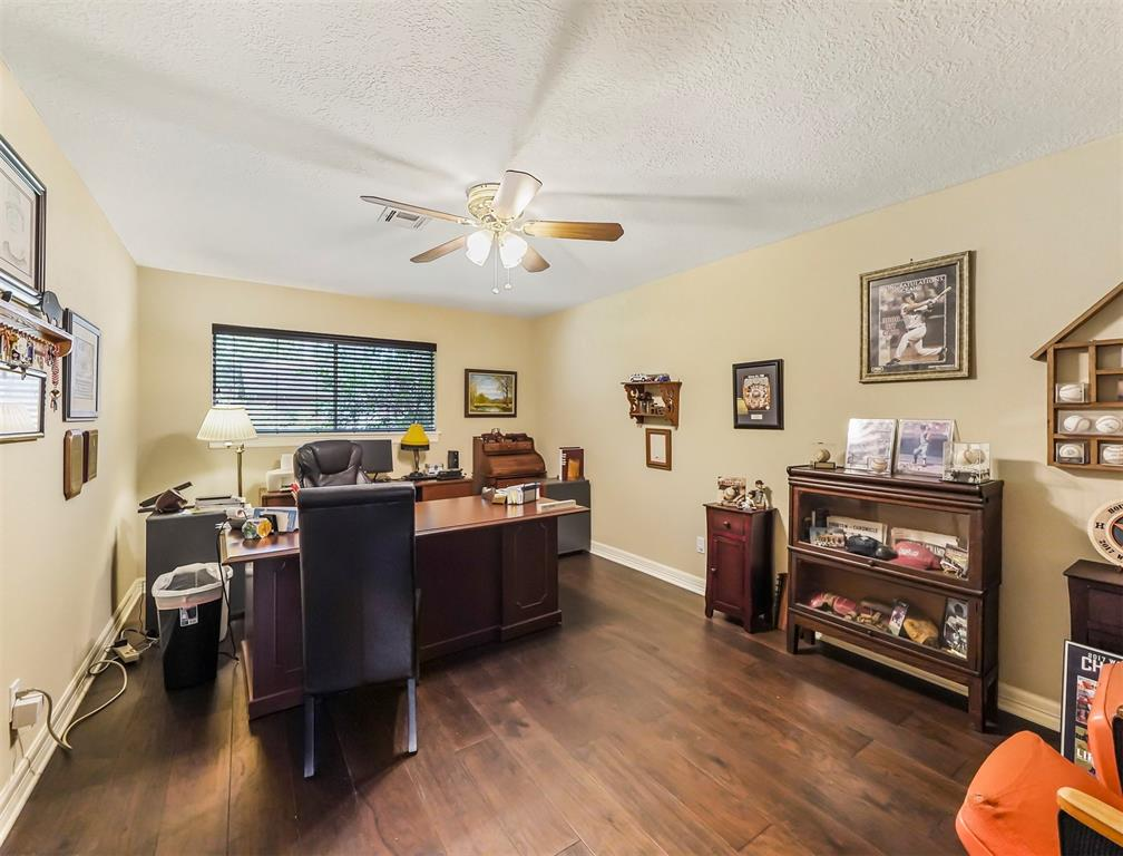 Pending Continue to Show | 13119 Pine Drive Cypress, Texas 77429 20