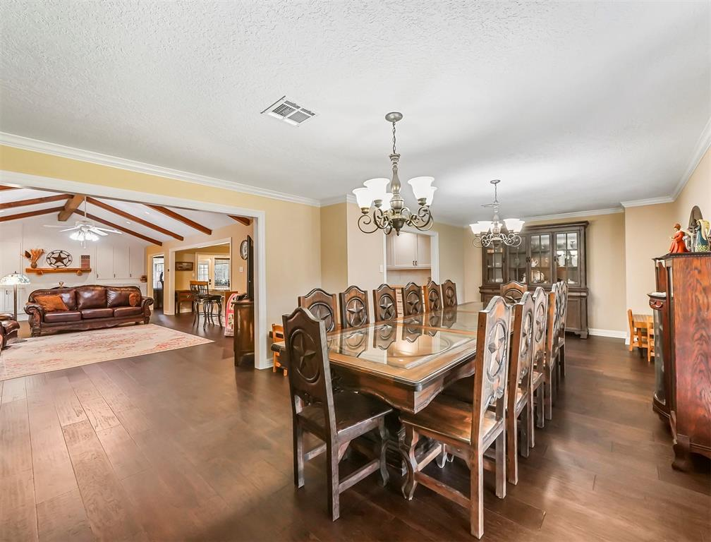 Pending Continue to Show | 13119 Pine Drive Cypress, Texas 77429 5