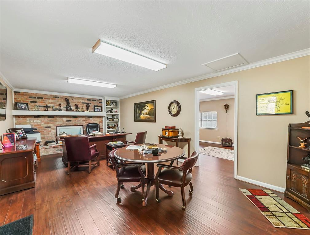 Pending Continue to Show | 13119 Pine  Drive Cypress, TX 77429 37