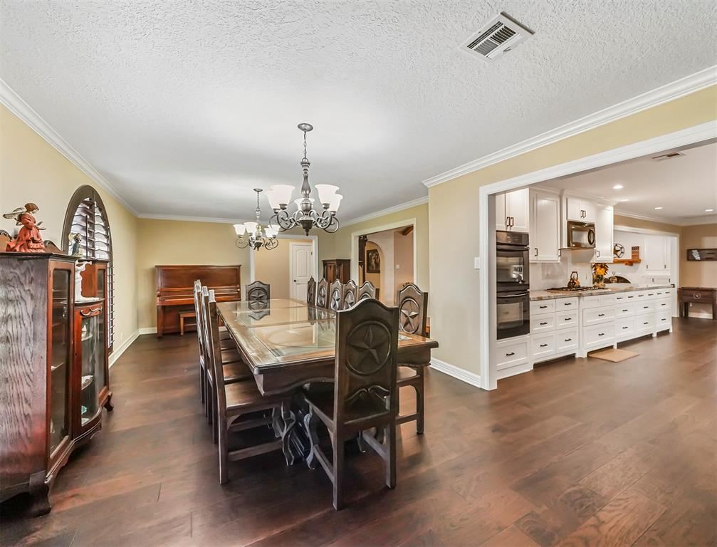 Pending Continue to Show | 13119 Pine Drive Cypress, Texas 77429 6