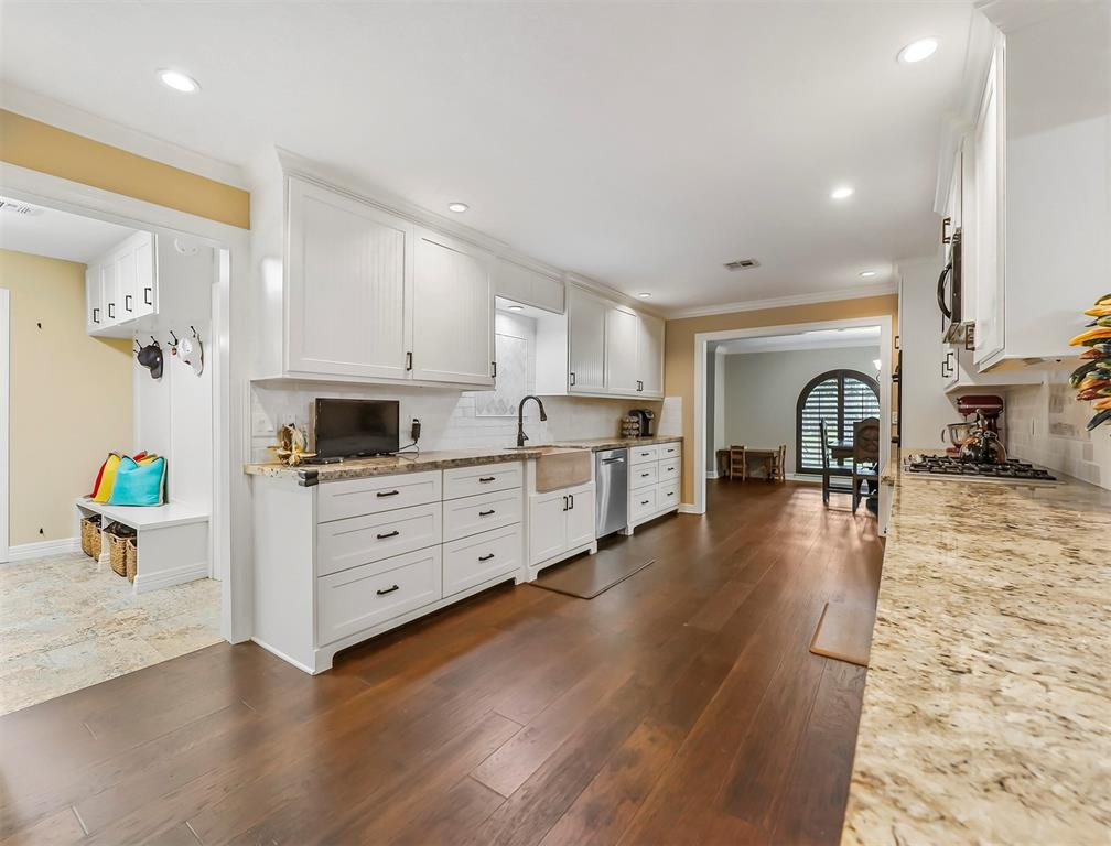 Pending Continue to Show | 13119 Pine Drive Cypress, Texas 77429 9