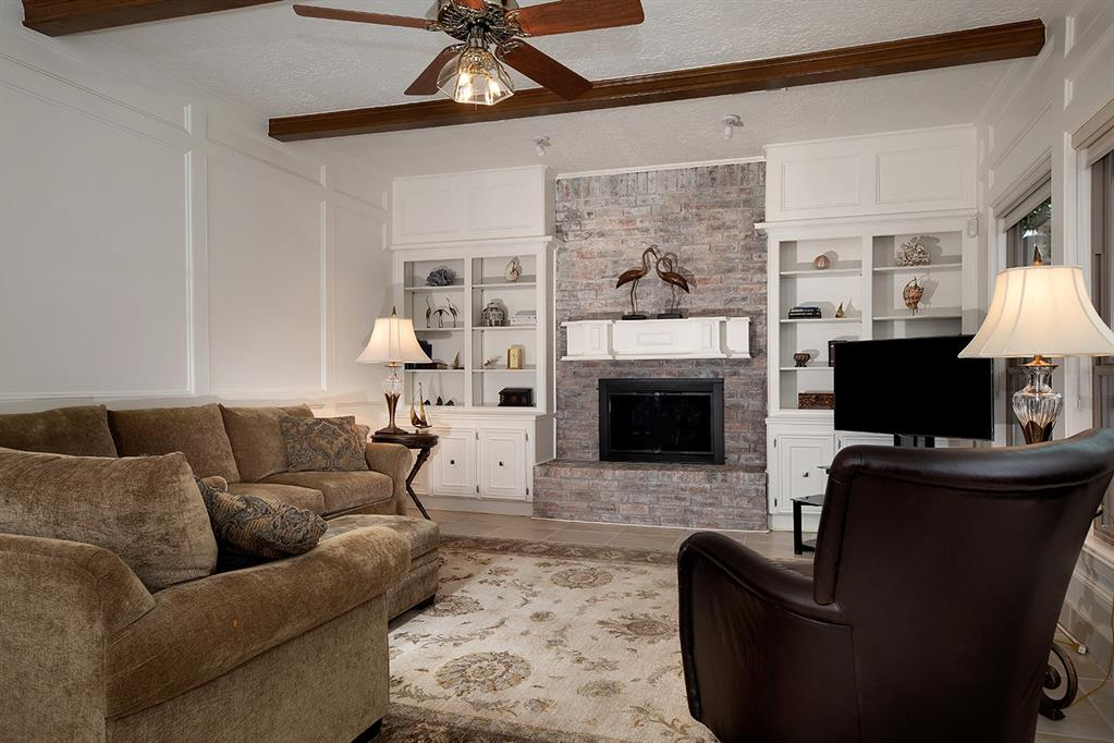 Active | 2 Noontide  Circle The Woodlands, TX 77380 6