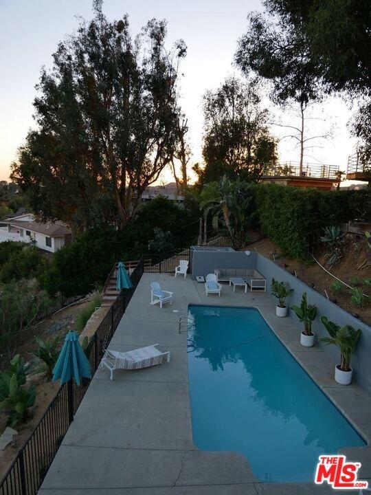 Closed | 6111 Mulholland  Highway Los Angeles, CA 90068 39
