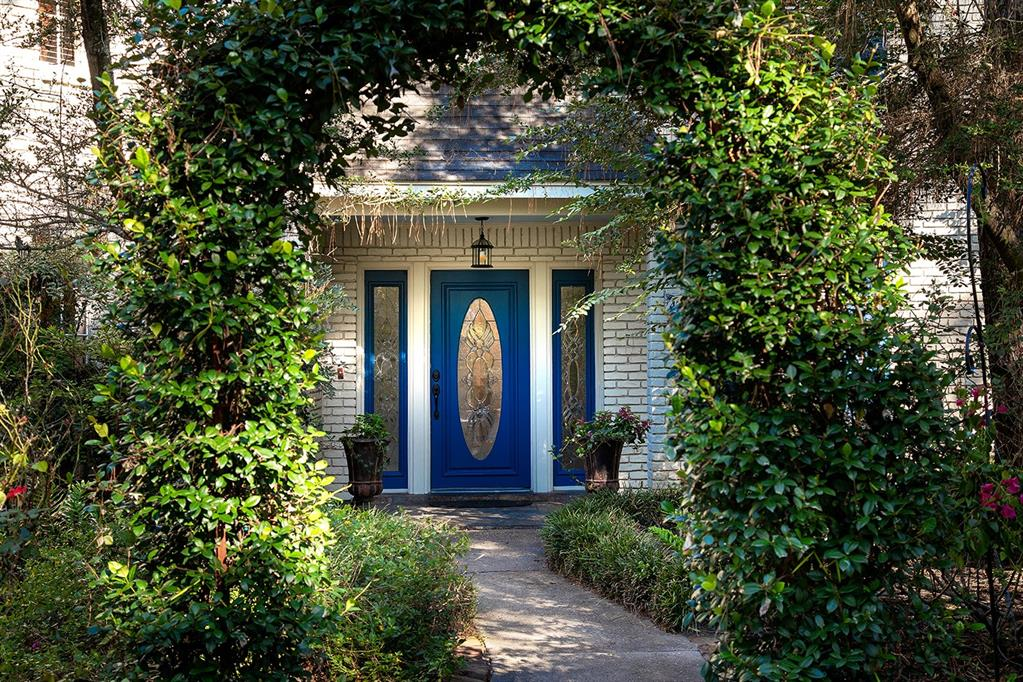 Active | 47 W Placid Hill  Circle The Woodlands, TX 77381 2