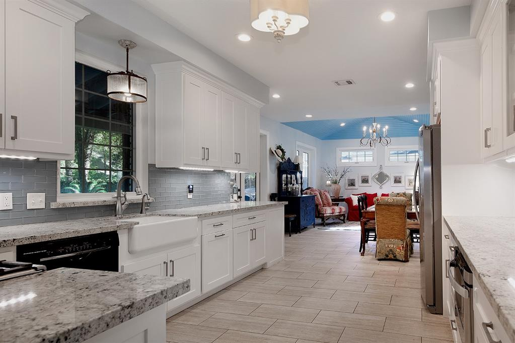 Active | 47 W Placid Hill  Circle The Woodlands, TX 77381 23