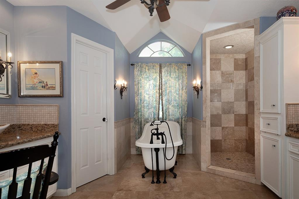 Active | 47 W Placid Hill  Circle The Woodlands, TX 77381 45