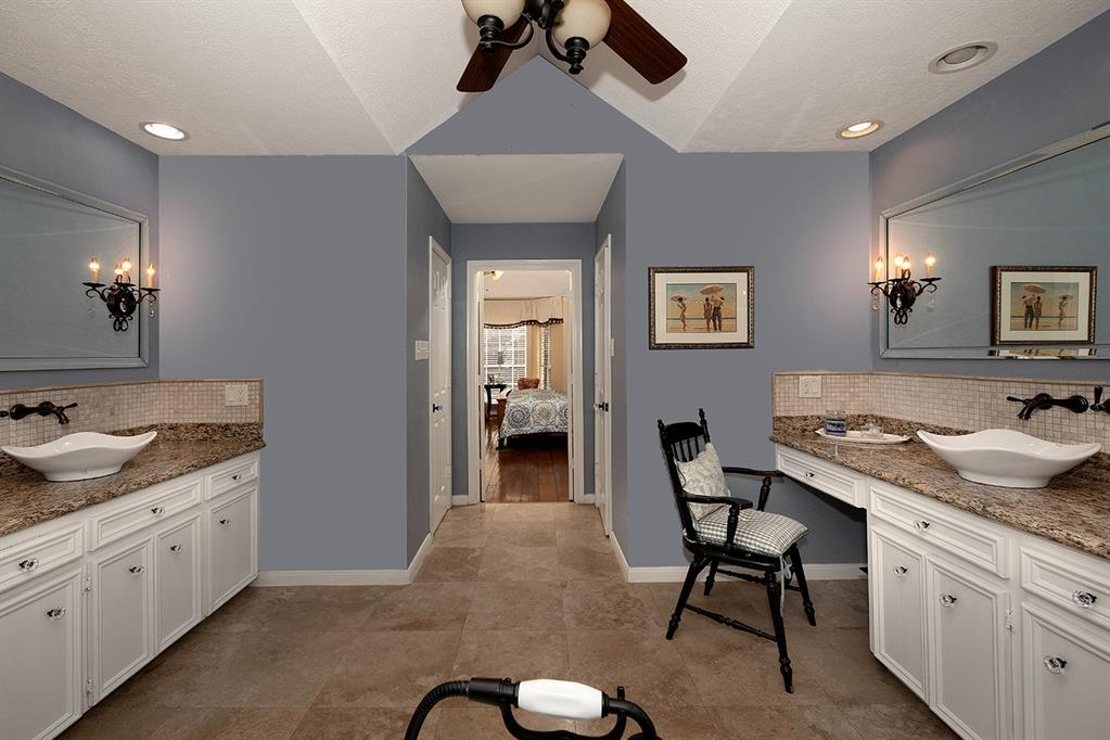 Active | 47 W Placid Hill  Circle The Woodlands, TX 77381 47