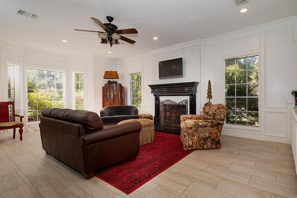 Active | 47 W Placid Hill  Circle The Woodlands, TX 77381 12