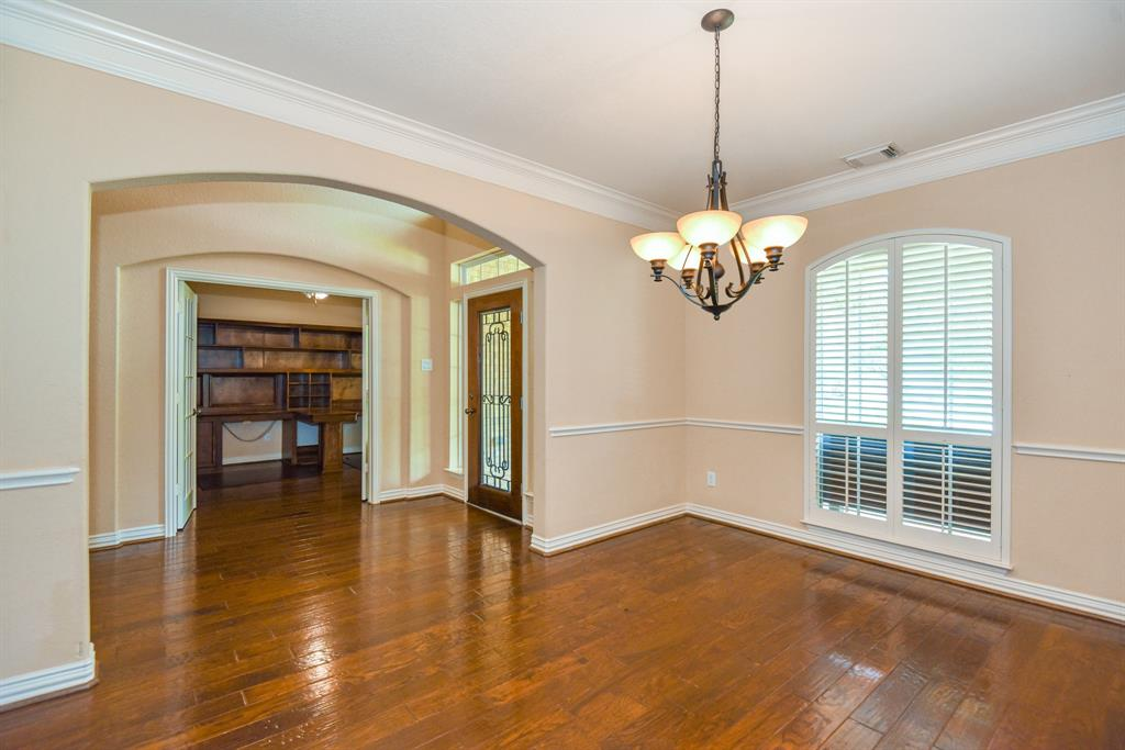 Active | 34 N Wyckham  Circle The Woodlands, TX 77382 2