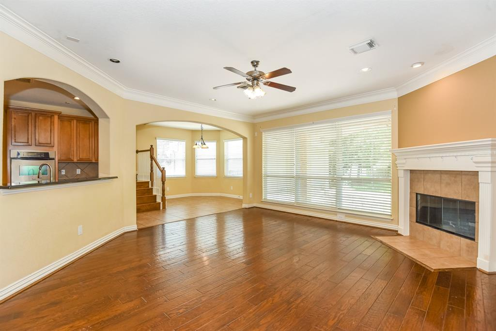 Active | 34 N Wyckham  Circle The Woodlands, TX 77382 6